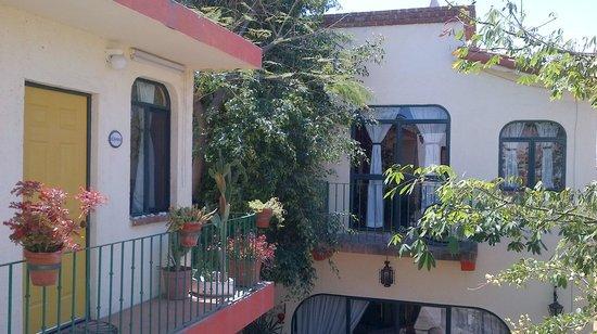 Casa Tuscany Inn : view from my rooms balcony