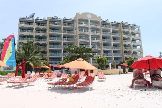 Ocean Two Resort & Residences: Outside the hotel