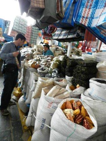 Mercado Central de San Pedro : variedades de alimentos típicos