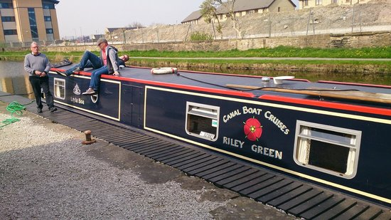 Canal Boat Cruises of Riley Green: Now where was that water tap!!