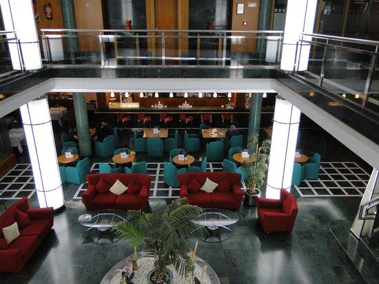 Elba Vecindario Aeropuerto Business & Convention Hotel: Entrada y recepción desde entresuelo