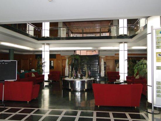 Elba Vecindario Aeropuerto Business & Convention Hotel: Entrada y recepción