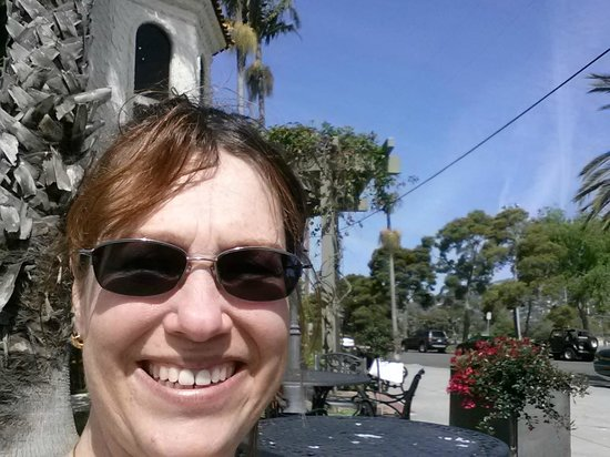 Hyatt Centric Santa Barbara: Outside hotel