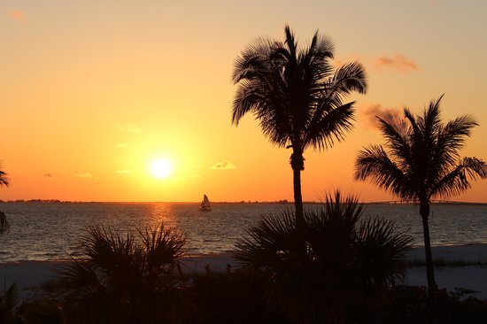 Pink Shell Beach Resort & Marina: Pink Shell Sunset