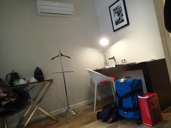 Le Boutique Hotel : working desk