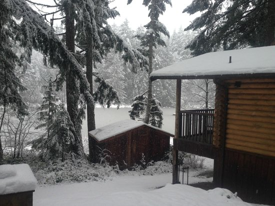 Cusheon Lake Resort: Before the snow really came down