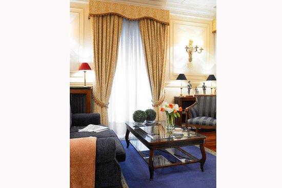 BEST WESTERN Carlos V: Hotel Lobby