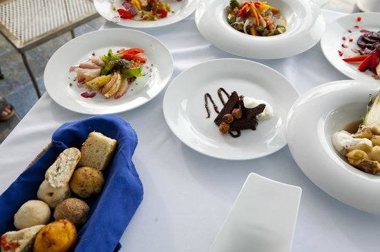 Mille Fleurs Restaurant : Some of the dishes offered at the Mille Fleurs