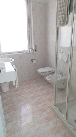 Hotel Moderno: ванная