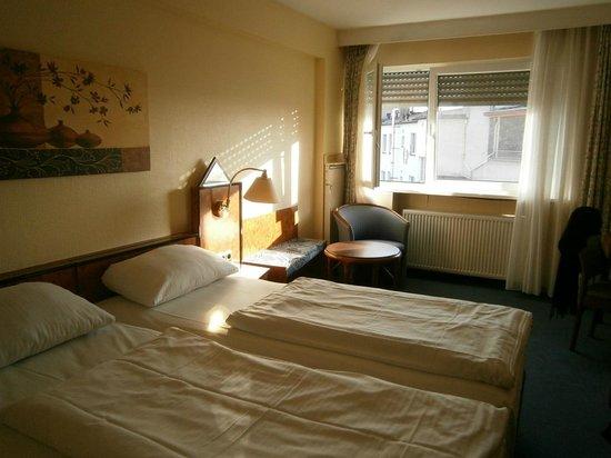 Savoy Hotel Frankfurt: サヴォイ ホテル フランクフルト