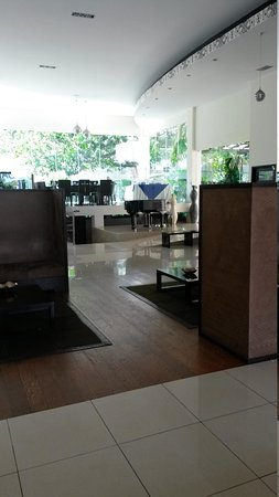 Hotel Contempo : restaurant