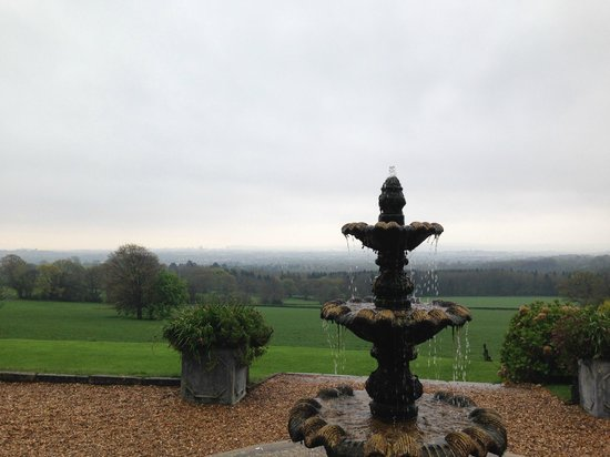 New House Country Hotel: View from hotel over Cardiff