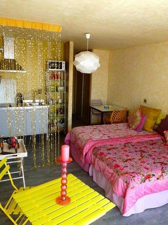 HOMEnFUN Formentera Suites: loft adriana