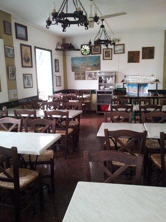 Scholarchio Restaurant : Interior, upper floor