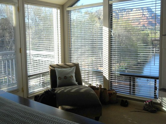The Inn Above Oak Creek: The room!
