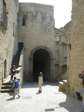 Castel dell'Ovo : Castle of the Egg