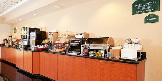 Wingate by Wyndham Columbia/Harbison: Wingate Hot Breakfast Buffet