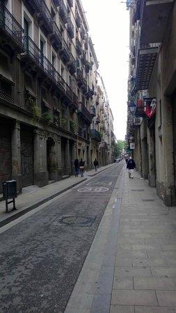 Hotel Barbara : Rue de l'hôtel
