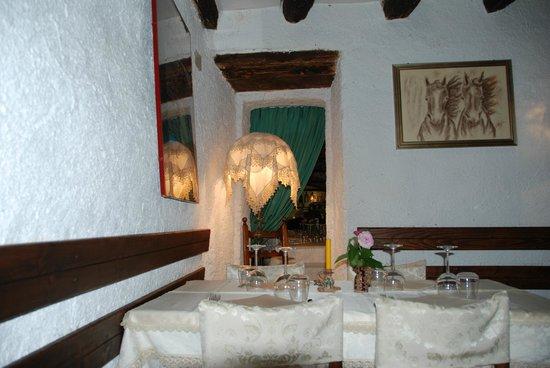 Taverna La Mola : Particolare della sala