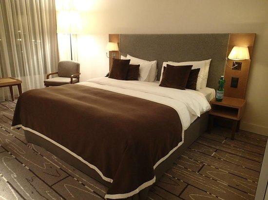Radisson Blu Hotel, Zurich Airport: 4
