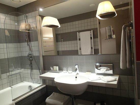 Radisson Blu Hotel, Zurich Airport: 1