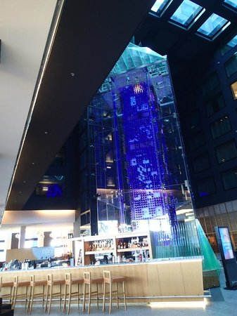 Radisson Blu Hotel, Zurich Airport: Reception, Berlin style