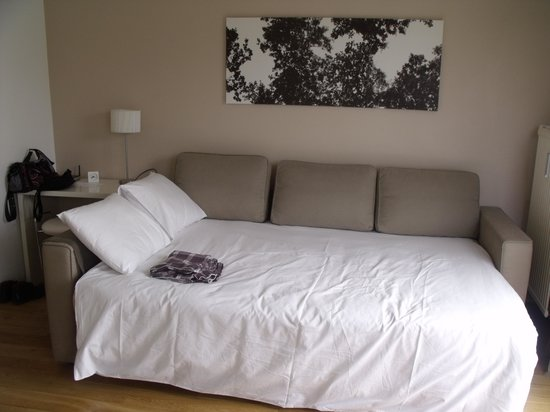 brussels bed and breakfast apartment reviews belgium tripadvisor. Black Bedroom Furniture Sets. Home Design Ideas