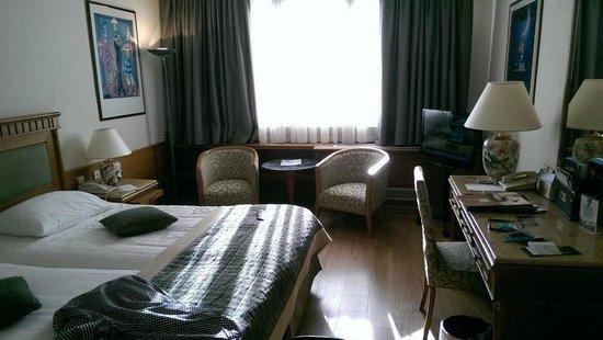 Divani Caravel Hotel: Doppelzimmer 4. Stock