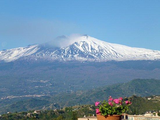 Belmond Grand Hotel Timeo: Volcan Etna desde el hotel
