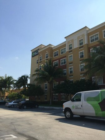 Extended Stay America - Miami - Airport - Doral - 87th Avenue South : View of the front of the Hotel