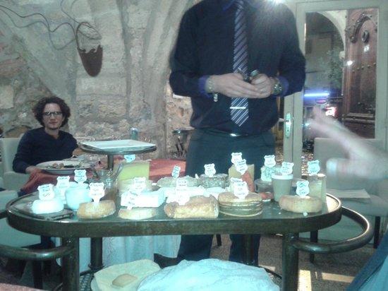 La Table d'Emilie: fabuleux chariot de fromages