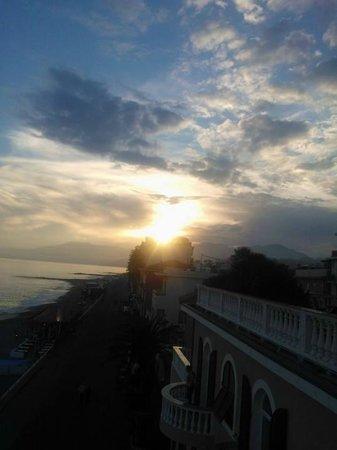 Piccolo Lido : camera con balcone al secondo piano vista mare