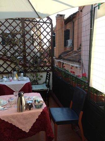 Angeles Inn: la bella terrazza dove fare colazione