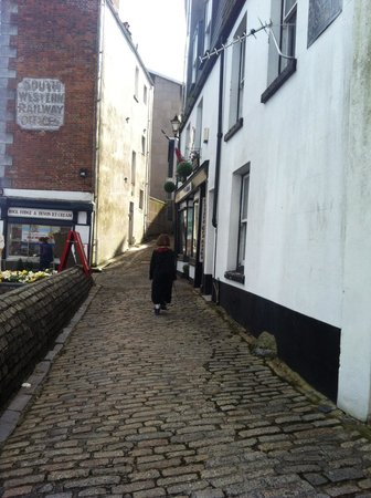 Strand Tea Rooms: Arriving Harry Potter style to her party :)