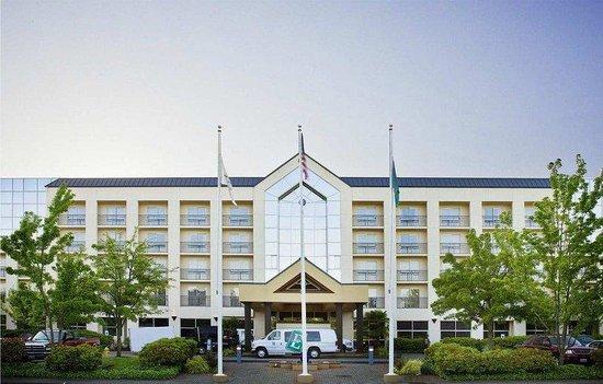 Embassy Suites by Hilton Seattle-Bellevue