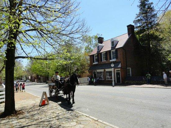 Old Salem Museums & Gardens: Old Salem street scene