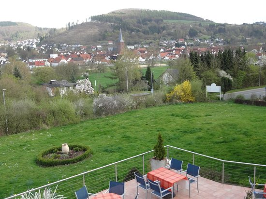 Hotel Sonnenhof: Blick von Terrasse auf historische Altstadt