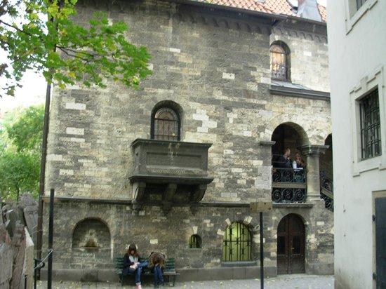 Old-New Synagogue (Staronova synagoga): Old-New Synagogue