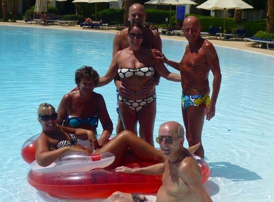 Savoy Sharm El Sheikh: Fun in the pool with our lovely friends!