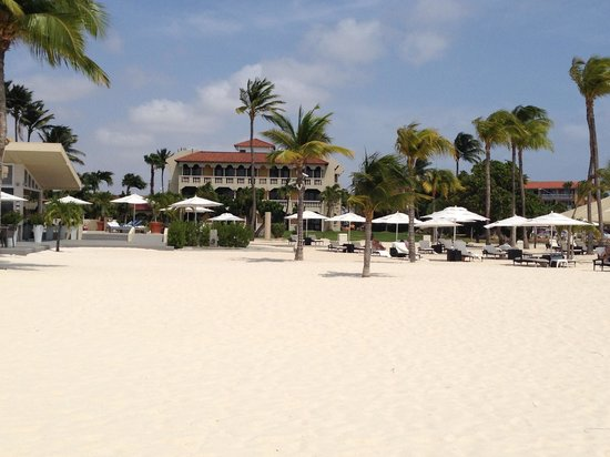 Bucuti & Tara Beach Resort Aruba: View vanaf het strand