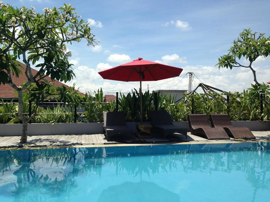 Sing Ken Ken Lifestyle Boutique Hotel: Pool