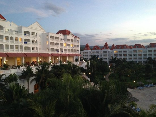 Grand Bahia Principe Jamaica : view of lobby bar from room