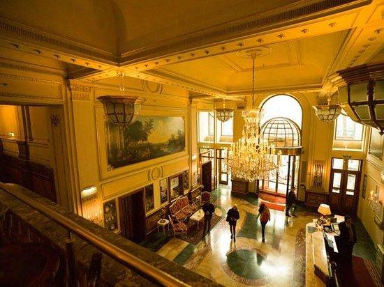 Hotel Imperial Vienna: Foyer
