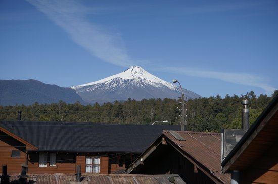 Hostal Wohlenberg: view of Volcano from deck