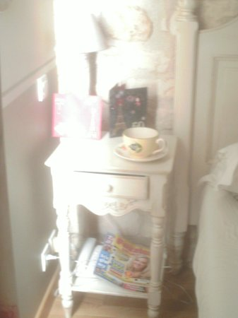 Hotel Residence Quintinie: bedside table