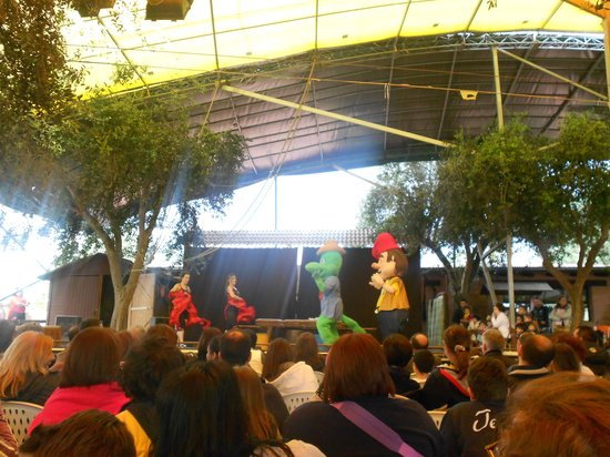 Carrisiland Resort : spettacoli pomeridiani