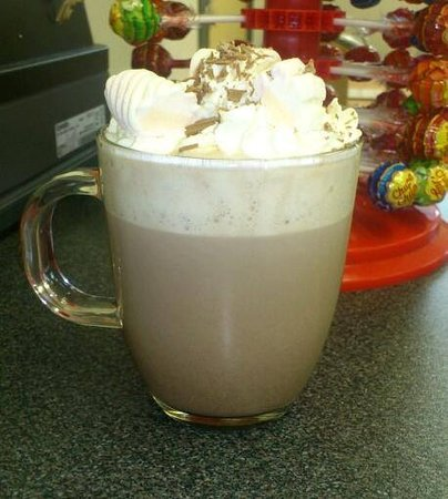 The Hut: Yummy Luxury Hot Chocolate with lashings of Cream, and Marshmallows mmmm