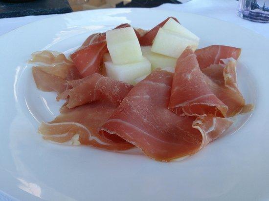 Terrazza Tiberio: appetizer, melon and ham