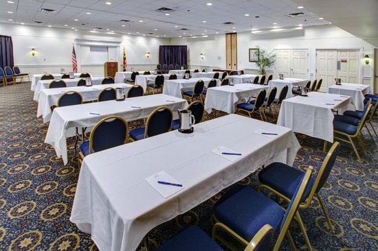 Dunes Manor Hotel & Suites: Genesar Ballroom