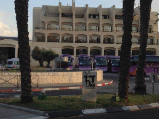Dan Jerusalem Hotel: Front of the hotel